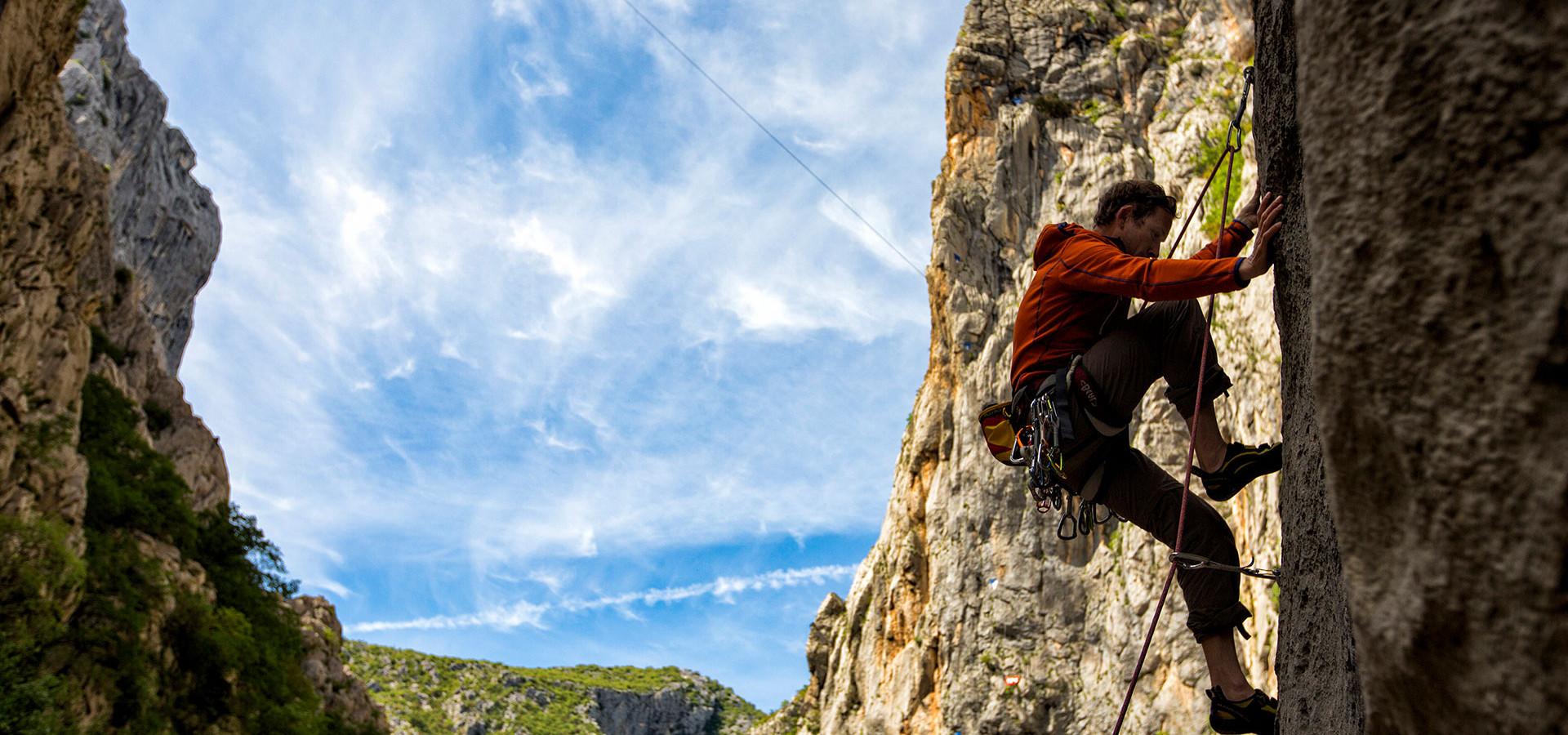 Результат пошуку зображень за запитом Rock climbing photo